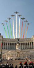 Parata e frecce tricolori per i 70 anni della Repubblica