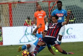 A Crotone vince il Napoli in 10