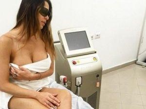 Cecilia Capriotti in uno studio medico: ecco cosa è successo