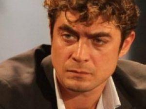 Riccardo Scamarcio choc: litiga con il pubblico, volano parolacce