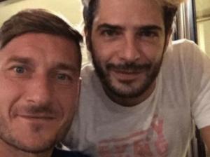 Francesco Totti a cena con Marco Bocci, ma non erano soli