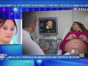 """Annalisa Minetti incinta di 7 mesi: """"Fatto il test, la bimba è sana"""""""