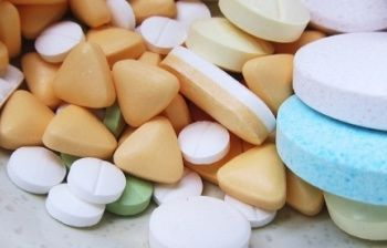 Ecco il farmaco che potrebbe stroncare l'influenza in un solo giorno. Ma probabilmente non lo troverete mai in commercio... A chi conviene se guarite subito?