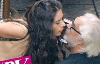 Briatore e il bacio sospetto in hotel: