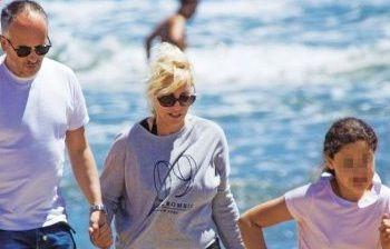 Antonella Clerici relax al mare con Garrone e Maelle