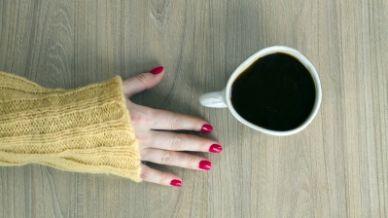 C'è più caffeina nel tè o nel caffè?