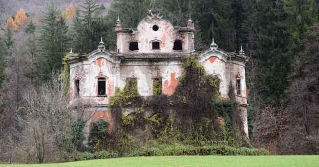 Case Maledette E Castelli Infestati Fantasmi E Apparizioni In