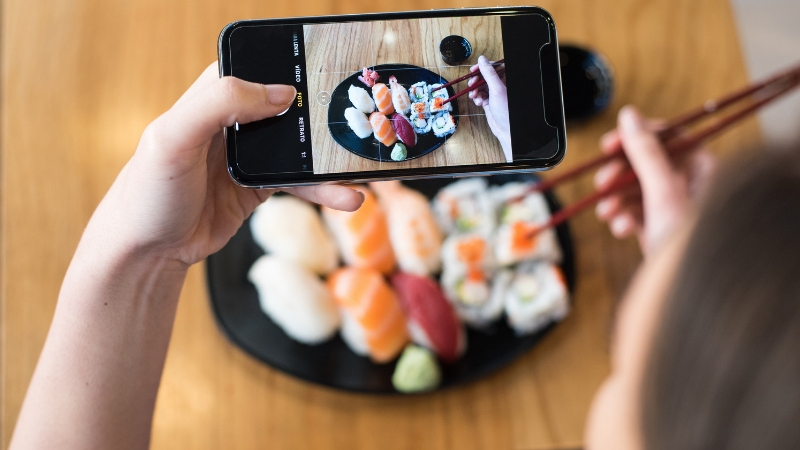 Sushi gratis a Milano in base ai follower su Instagram