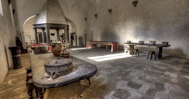 Cucine e refettori pi belli nelle abbazie e monasteri d 39 italia initalia - Cucine piu vendute in italia ...