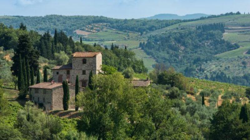 In vendita la casa che fu di Michelangelo. Base d'asta 7,5 milioni di euro