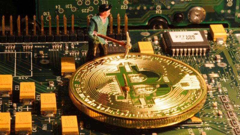 In un capannone di Firenze si estraggono Bitcoin
