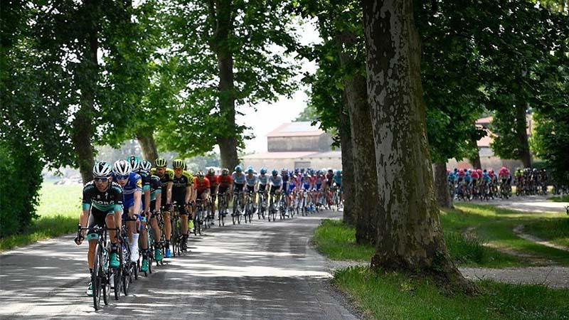 Giro d'Italia: le tappe da scoprire pedalando con la maglia rosa