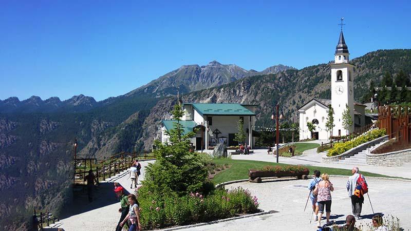 Chamois, ad Aosta, è la capitale dei matrimoni finiti