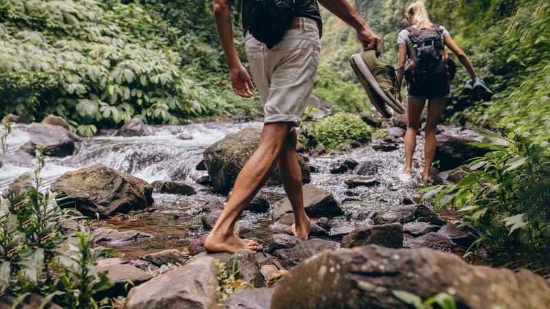 No al trekking in infradito, in Italia sempre più vietato l'escursionismo improvvisato