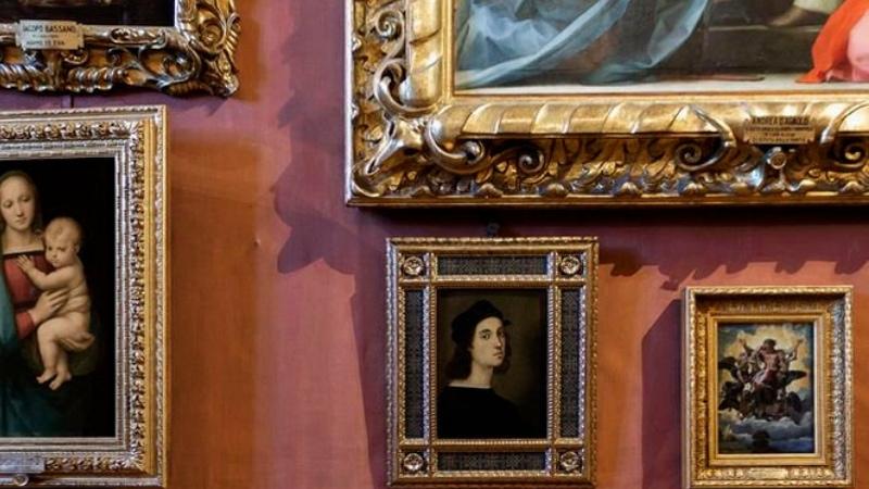 L'autoritratto di Raffaello torna a Firenze