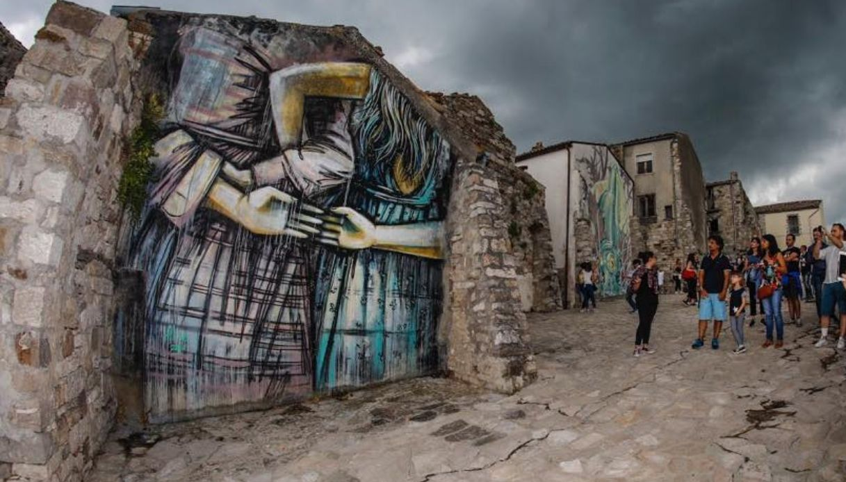 Un paese del Molise vive grazie alla street art