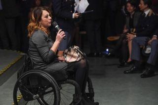 Sedie A Rotelle Roma : Violenza donne io cc su sedia a rotelle san gregorio da sassola