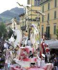 Festa di Primavera con sfilata dei carri in gesso in diurna