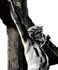 Processione della Via Crucis, rivivono le tappe della passione di Cristo