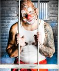 Psychiatric Alcatraz, il nuovo irriverente show di circo-teatro