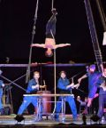 Lurrak, spettacolo acrobatico al Teatro Le Serre